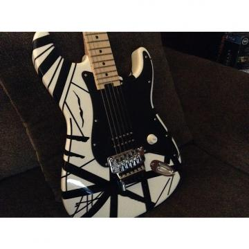 Custom EVH Stripe series 2015 Black / White