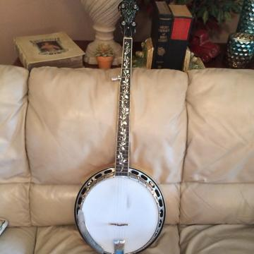 Custom Alvarez 5 String Banjo Tree Of Life  ? Vintage Tint Maple