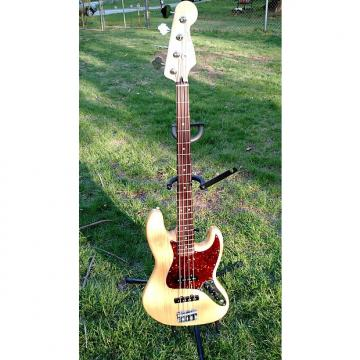 Custom Fender Special Edition Deluxe Ash Jazz Bass Natural