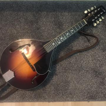 Custom Kentucky KM-150 ' A Style' Mandolin With Hardcase & Accessories!  BARGAIN* MINT CONDITION