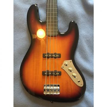 Custom 2010 Fender Squier Vintage Modified Jazz Bass Fretless 3 Color Sunburst