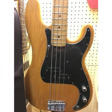 Custom Fender Precision 1974 natural finish, great tone, with original hardshell case