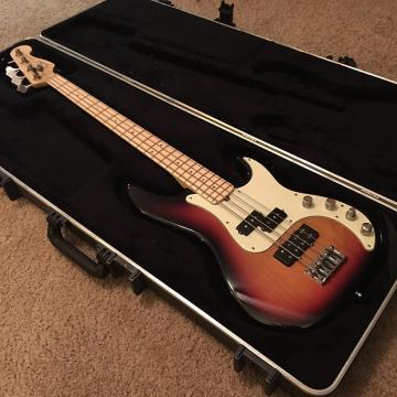 Custom MIA Deluxe Precision Bass 2007 Sunburst + Hard Shell Flight Case