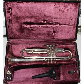 Custom King 2055T Silver Flair Trumpet 1970s