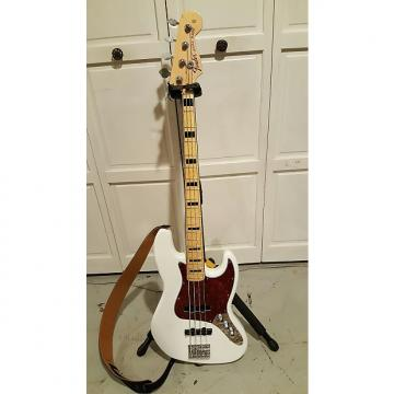 Custom Squier  Jazz Bass 2016 Olympic White