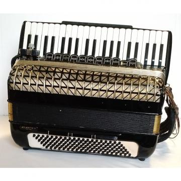 Custom Hohner Atlantic IV Deluxe - 120 bass accordion
