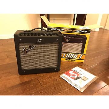 Custom Fender Mustang I Black 20 Watts Mint Condition