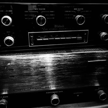 Custom McIntosh MC2200 1976 Stereo Amplifier