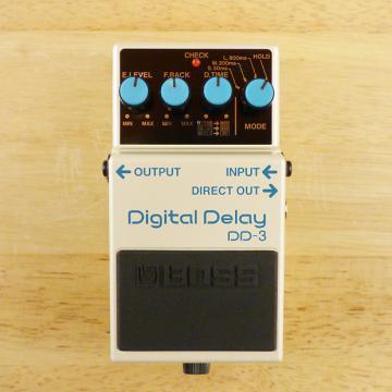 Custom Boss DD-3 Digital Delay Pedal - Classic Guitar Effects Pedal - Near Mint With Box!