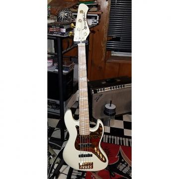 Custom Bassmods Jazzbass Type 2016 Cream, Gold Hardware