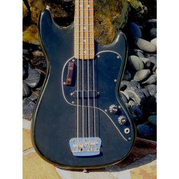 Custom Fender Musicmaster Bass 1975 Black