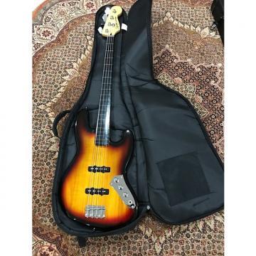 Custom Fender Squire Squire Jazz Fretless 2015 2-Color Sunburst