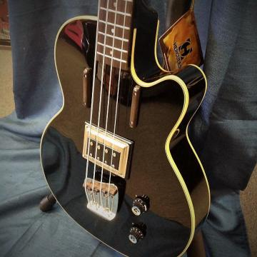 Custom Guild M-8 Newark St. Collection Semi-Hollow Electric Bass