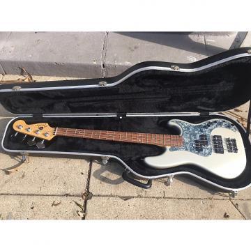 Custom Fender American Deluxe Precision 2005 Blizzard Pearl