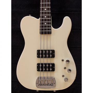 Custom G&L ASAT Bass 2015 Vintage White, with case