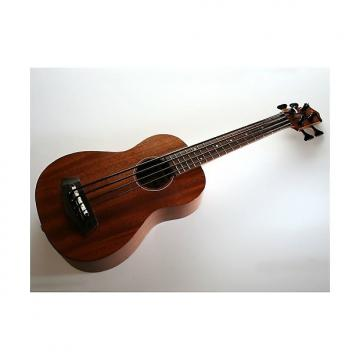 Custom Kala U-Bass SMHG-FS Acajou massif (+ étui)