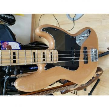 Custom Squier 70s Vibe Jazz Bass