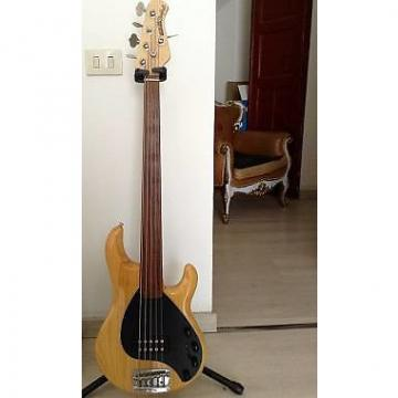 Custom Ernie Ball Music Man Sting Ray 5 Strings Fretless 1998 Natural