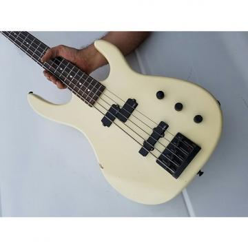 Custom Squier 5 string  1989 white