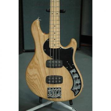 Custom Fender  Deluxe Dimension Bass - Natural