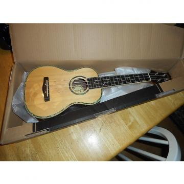 Custom Mitchell   New In Box mu70 ukulele 2017 natural rosewood,and spruce