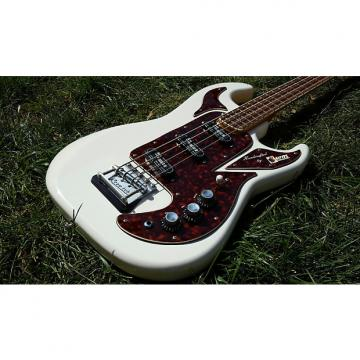 Custom Burns  Shadows Bass  , British , Custom Shop  2000  White