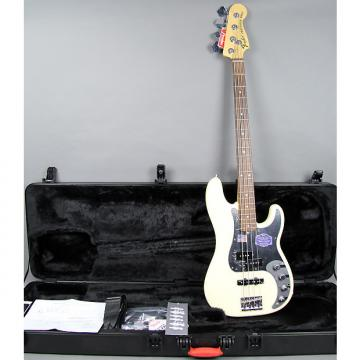 Custom Fender American Deluxe Precision Bass 2011 White