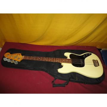 Custom Vintage 1978 Oly White Fender Musicmaster Bass in in Gig Bag! Very Nice