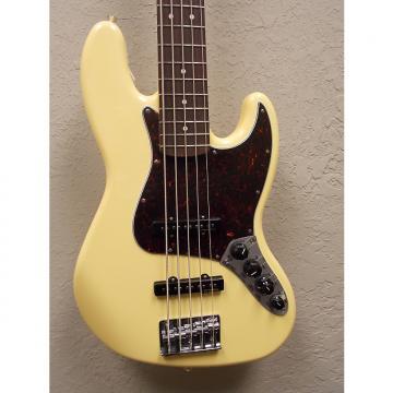 Custom Fender  Deluxe Active Jazz Bass V  2016 Cream w/ Gigbag