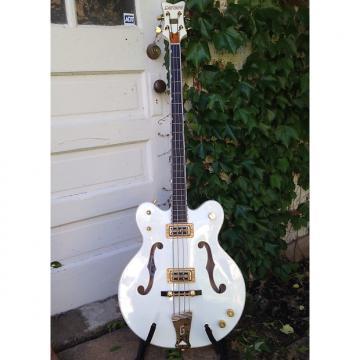 Custom Gretsch White Falcon bass