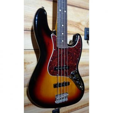 Custom New Fender® Classic Series '60s Jazz Bass® Lacquer 3-Color Sunburst w/Case