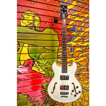 Custom Warwick RB Star Bass Maple 4 Solid Creme White