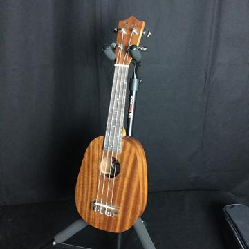 Custom Amahi UK240 Ukulele