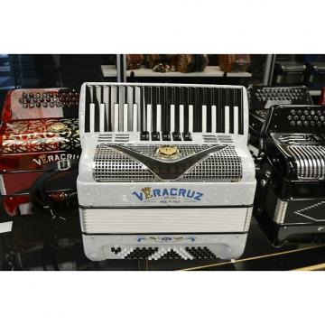 Custom Veracruz 80 Bass Piano Accordion 2016 Arctic White