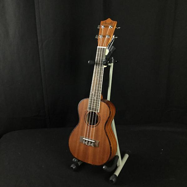 Custom Amahi UK220C Concert Ukulele (B-Stock) #1 image