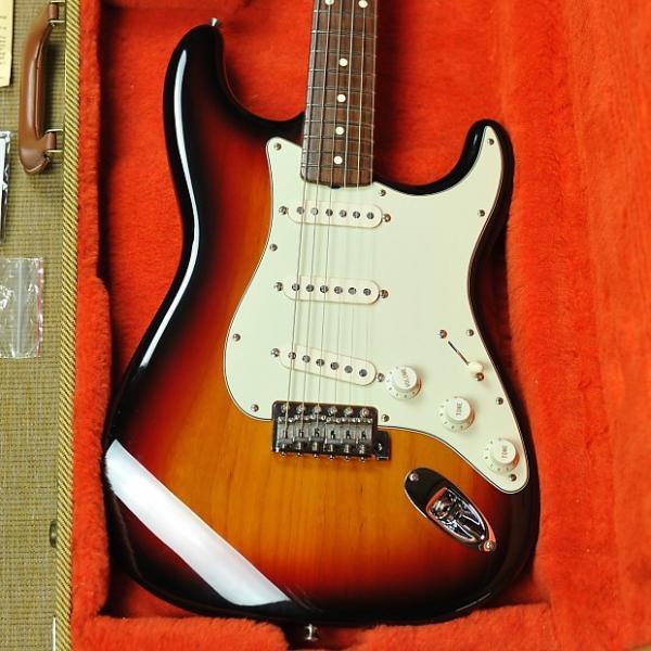 Custom Fender '62 American Vintage Reissue Stratocaster - AVRI - Sunburst #1 image