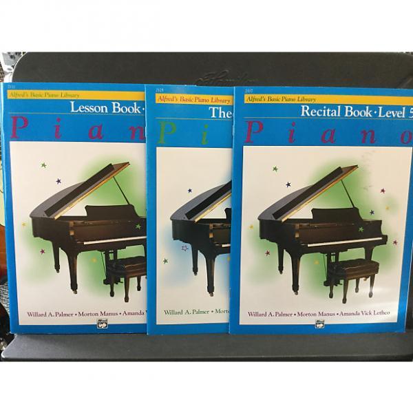 Custom Alfred's Basic Piano. Library Level 5 - Theory #1 image